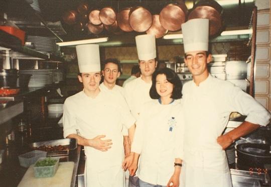 パリのミシュランレストランでスタージュ フランス人の仲間と|お料理教室主宰 料理研究家 熊谷真由美