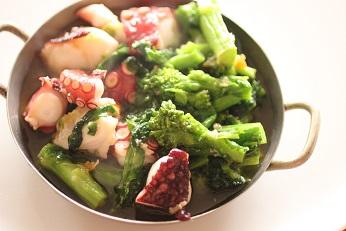 菜の花とタコのアヒージョ|千葉県浦安市の料理教室 熊谷真由美のラクレムデクレム