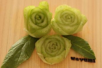 飾り切り ちんげん菜 バラ|千葉県浦安市の料理教室 熊谷真由美のラクレムデクレム