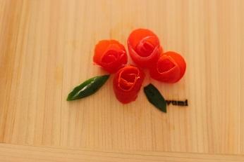 飾り切り トマト バラ|東京ベイ千葉県浦安市の料理教室 熊谷真由美のラクレムデクレム