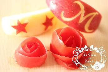 トマトの皮の薔薇とリンゴの飾切り|料理研究家の料理教室 熊谷真由美のラクレムデクレム(千葉県浦安市)