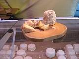 フランスのフロマージュ 通向けシェーブル 過熟成|千葉県浦安市の料理教室 熊谷真由美のラクレムデクレム
