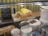 フランスチーズ屋のバターのはかり売り |千葉県浦安市の料理教室 熊谷真由美のラクレムデクレム