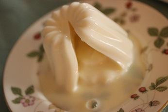 ブラータ風牛乳寒天|おもてなし料理教室  料理研究家 熊谷真由美のラクレムデクレム