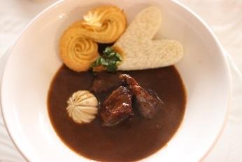牛肉の赤ワイン煮込み ブッフブルギニョン|千葉県浦安市の料理教室 熊谷真由美のラクレムデクレム