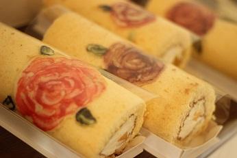 薔薇のロールケーキ|千葉県浦安市のお菓子教室 熊谷真由美のラクレムデクレム