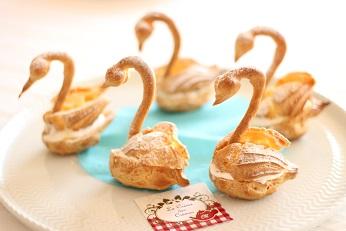 白鳥の湖スワンシュー|お菓子教室のレシピ