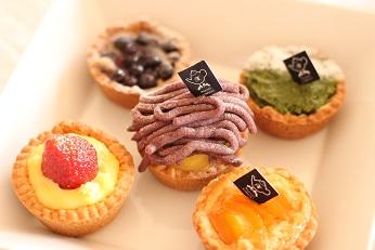 リンゴのタルト、杏のタルト、ブルーベリーのタルト、紫芋のタルト|フランス菓子教室 熊谷真由美のラクレムデクレム