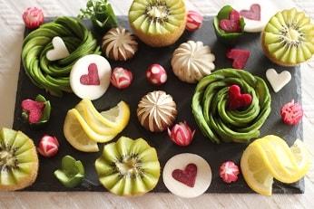 飾り切りアボカドの薔薇|東京ベイ千葉県浦安市の料理教室 熊谷真由美のラクレムデクレム