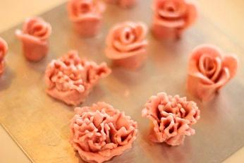 薔薇とカーネーションクッキーをつくる