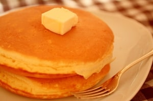 アルミニウムフリーでつくる【保存版】アメリカ式のふっわふわ絶品基本のパンケーキ