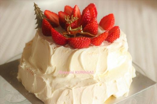 スプーンでデコ。型不要!ぐるぐる苺の2段ショートケーキ!